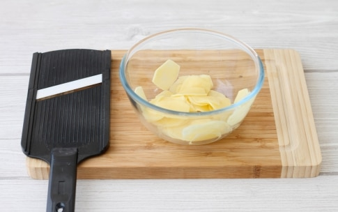 Preparazione Purè di patate con scalogno, rosmarino e chips croccanti - Fase 5