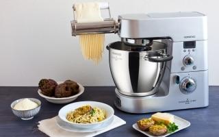 Spaghetti con patate e crema di carciofi