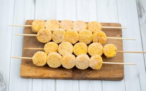 Preparazione Spiedini di polenta e formaggio - Fase 3
