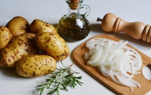 Preparazione Torta di patate al forno croccanti  - Fase 1