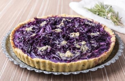 Torta salata al cavolo rosso e gorgonzola con frolla all'olio d'oliva