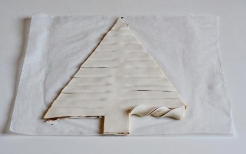 Preparazione Albero di Natale di pasta sfoglia alla Nutella - Fase 2
