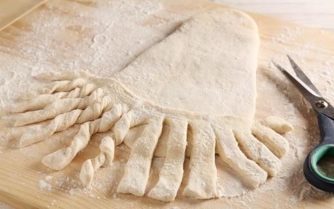 Preparazione Babbo Natale di pane - Fase 2