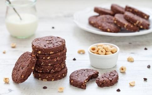 Preparazione Biscotti all'olio d'oliva cioccolato e nocciole - Fase 3