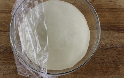 Preparazione Corona di pane ripiena - Fase 1