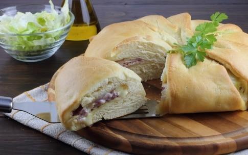 Preparazione Corona di pane ripiena - Fase 5