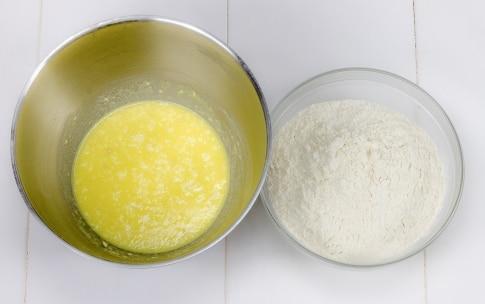 Preparazione Treccia dolce con crema pasticcera e crema di nocciole  - Fase 1