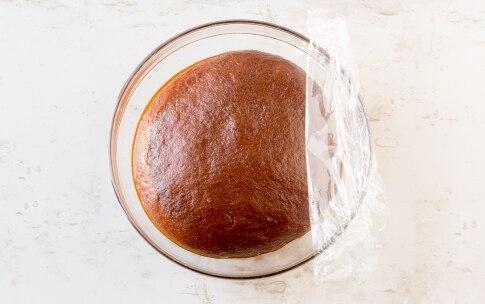 Preparazione Focaccia dolce con pere e cioccolato - Fase 3