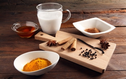 Preparazione Golden milk  - Fase 1