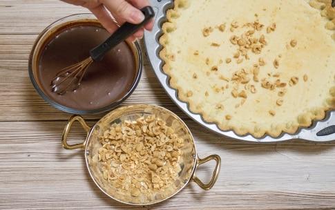 Preparazione Torta meringata alle nocciole e cioccolato - Fase 4
