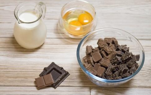Preparazione Torta meringata alle nocciole e cioccolato - Fase 3
