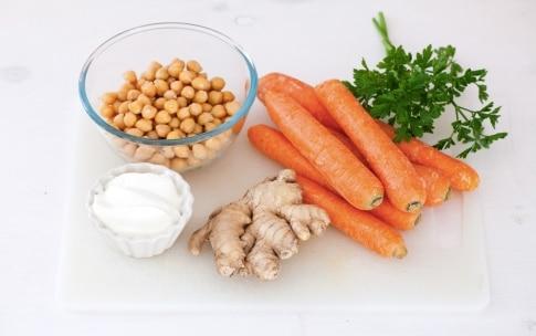 Preparazione Vellutata di carote, zenzero e ceci speziati - Fase 1