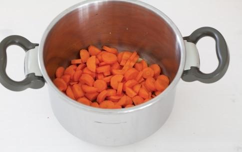 Preparazione Vellutata di carote, zenzero e ceci speziati - Fase 2