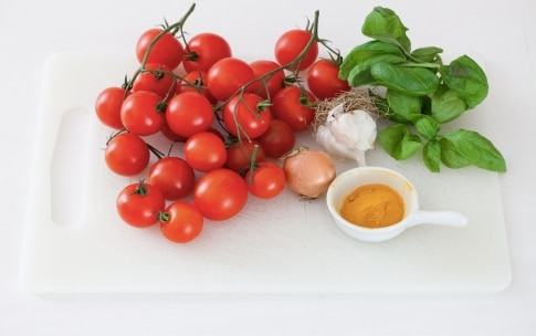 Preparazione Zuppa al pomodoro e curcuma - Fase 1