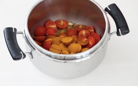 Preparazione Zuppa al pomodoro e curcuma - Fase 2