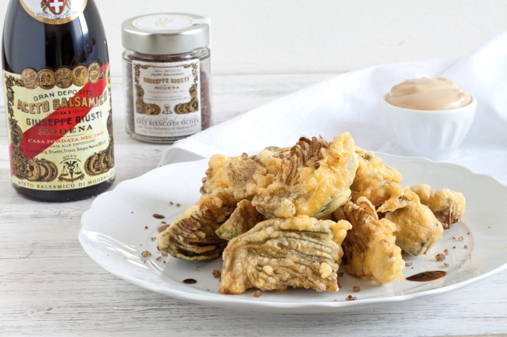 Carciofi fritti con maionese all'aceto balsamico