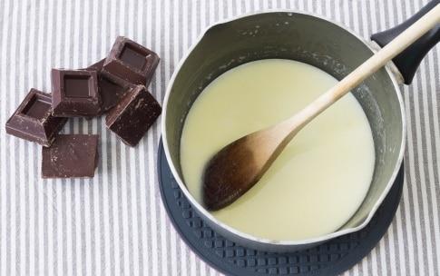 Preparazione Crostata con ganache al cioccolato e crema al mascarpone  - Fase 3