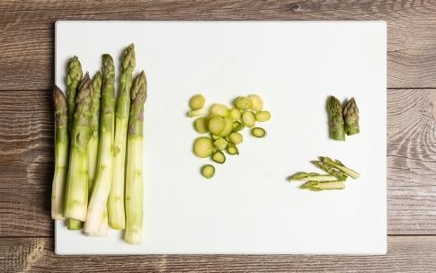 Preparazione Lasagne asparagi e salmone - Fase 1