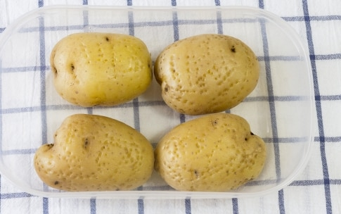 Preparazione Patate al microonde - Fase 1