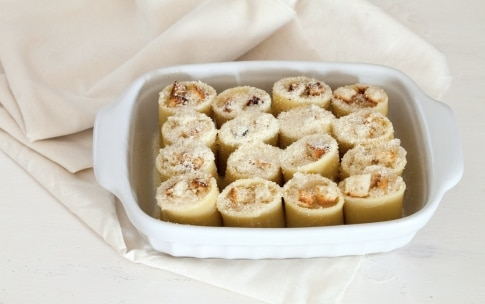 Preparazione Paccheri ripieni di soupe à l'oignon, parmigiano e pane fritto - Fase 4