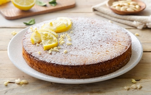 Preparazione Torta caprese al cioccolato bianco e limone - Fase 5