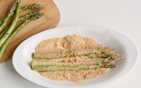 Preparazione Asparagi impanati - Fase 2