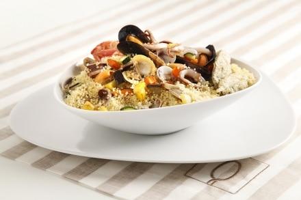 Cous cous di pesce con croccante di verdure e salvia fritta