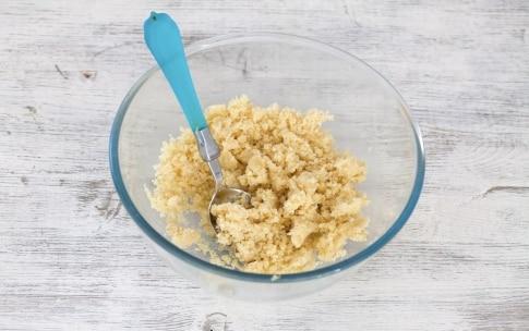 Preparazione Crostata integrale alle more e prugne - Fase 2