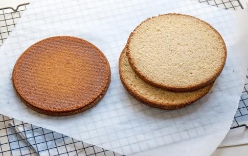 Preparazione Naked cake al caramello - Fase 2