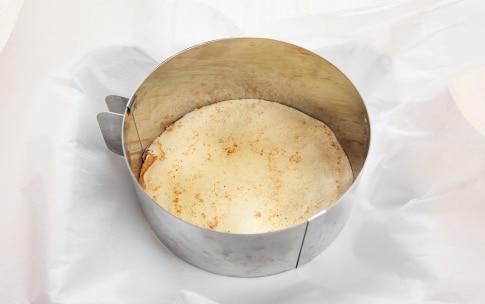 Preparazione Torta di crepes salata con prosciutto e formaggio  - Fase 1