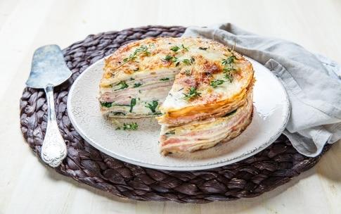 Preparazione Torta di crepes salata con prosciutto e formaggio  - Fase 4