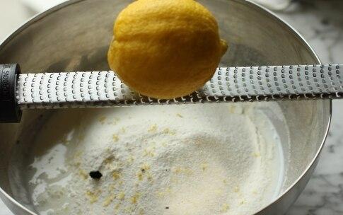 Preparazione Torta variegata ai frutti di bosco - Fase 3