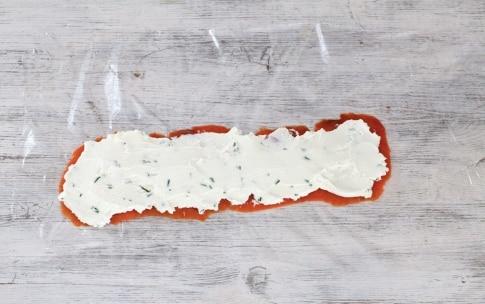 Preparazione Tartine al salmone e formaggio - Fase 2