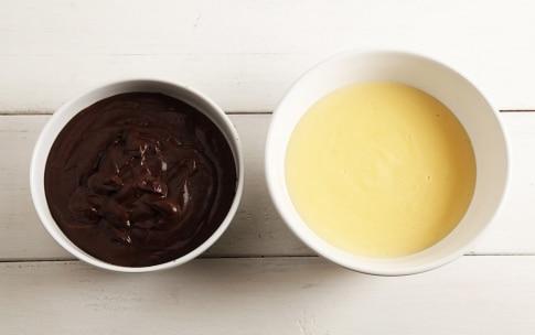 Preparazione Torta con biscotti secchi e crema pasticcera - Fase 1
