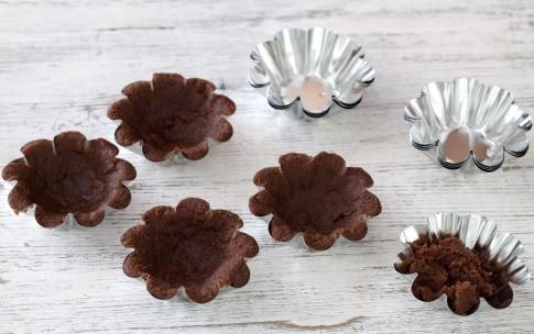 Preparazione Mini cestini di biscotto al cioccolato alla frutta - Fase 1