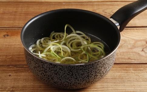 Preparazione Spaghetti di zucchine e patate con gamberi - Fase 1