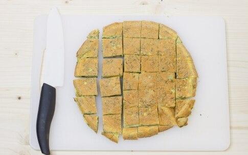Preparazione Spiedini di frittata alle erbe e mozzarella - Fase 4