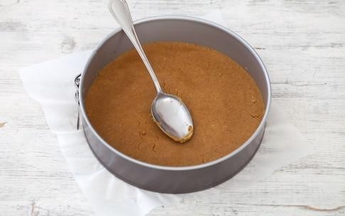 Preparazione Cheesecake alla Nutella - Fase 2