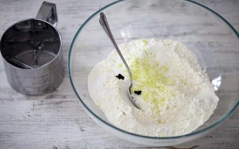 Preparazione Chiffon cake - Fase 1