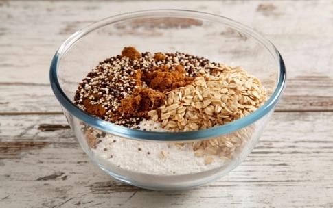 Preparazione Plumcake alle pesche, quinoa e avena  - Fase 1