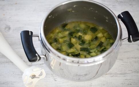 Preparazione Vellutata di zucchine - Fase 3