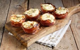 Cestini di prosciutto e formaggio