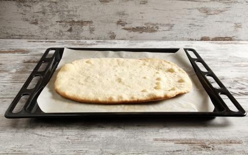 Preparazione Pizza con pere Williams e gorgonzola - Fase 4
