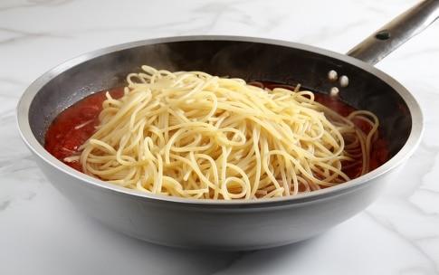 Preparazione Spaghetti al pomodoro e vaniglia - Fase 3