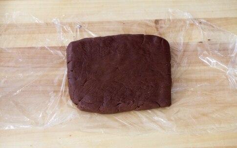 Preparazione Torta mousse al cioccolato e lamponi - Fase 2