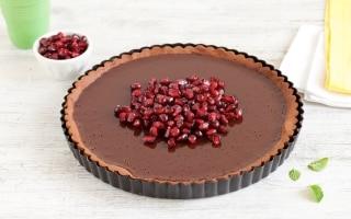 Crostata al cioccolato e melagrana