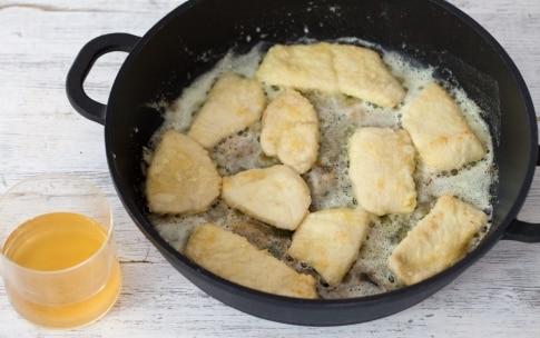 Preparazione Scaloppine di pollo al limone, miele e anice stellato - Fase 2