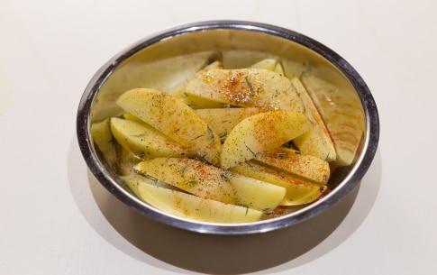 Preparazione Baked potatoes alla paprika con sale affumicato - Fase 1