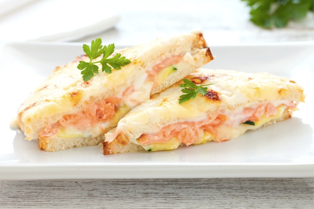 Croque-monsieur con salmone affumicato