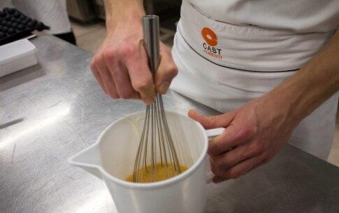 Preparazione Muffin senza glutine allo yogurt - Fase 2